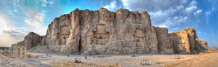 Tumbas de Naqsh-e Rostam