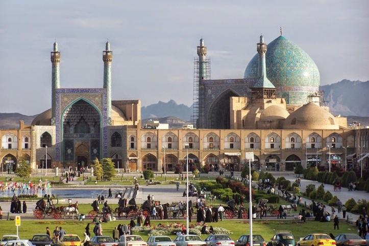 Naghshe_Jahan_Square_Isfahan-iran.jpg